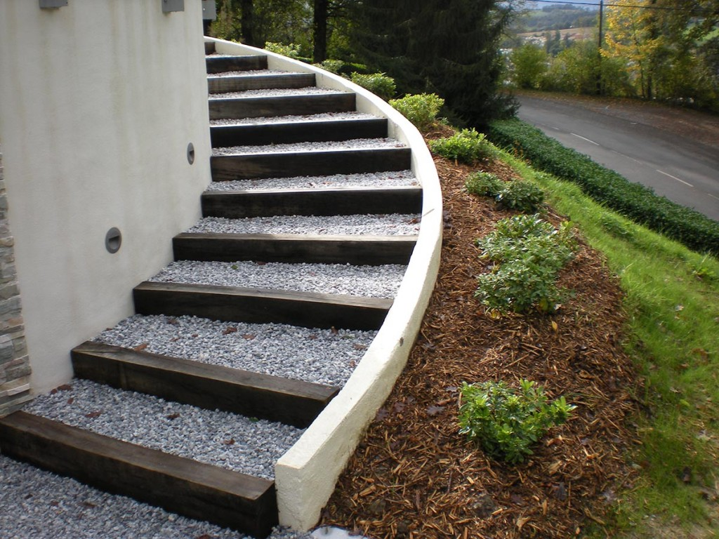 emejing escalier de jardin en gravier ideas design trends 2017. Black Bedroom Furniture Sets. Home Design Ideas